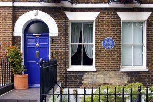 copyright: https://upload.wikimedia.org/wikipedia/commons/c/cc/Captain_Bligh_House_London.jpg